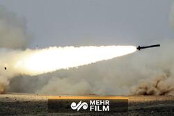 تصاویری از حمله اهداف متخاصم و رهگیری آنها در آسمان سوریه