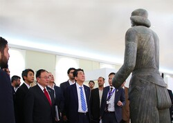 Japanese prime minister visits National Museum of Iran