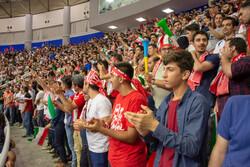 حاشیه های بازی ایران و لهستان/ وزیر ورزش میهمان ویژه بازی