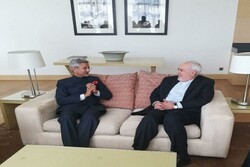 Zarif meets with Indian counterpart in Tajikistan