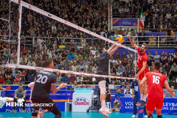 İran Milli Voleybol Takımı Kanada'yı 3-0 mağlup etti