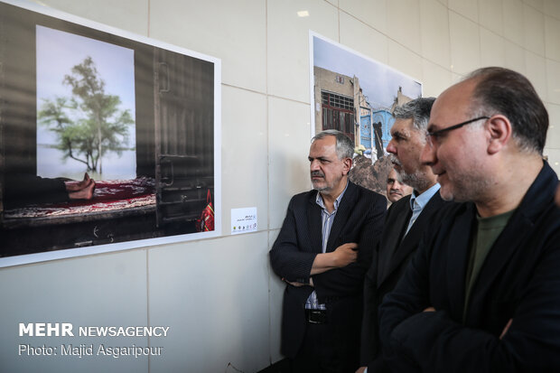 "Photo Exhibition on ""Flood"" opens in Vali-e Asr Sq. (AS) Expectation Verandah"