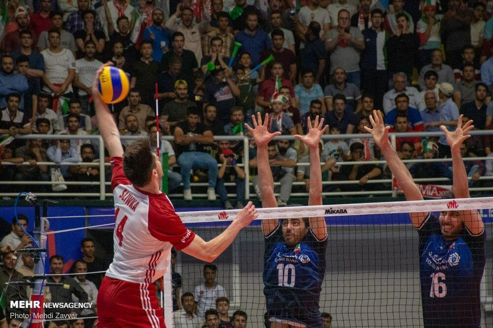 دیدار تیم های ملی والیبال ایران و لهستان