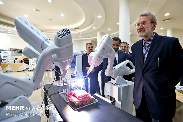 Iranian tech. products on display at Pardis Technology Park