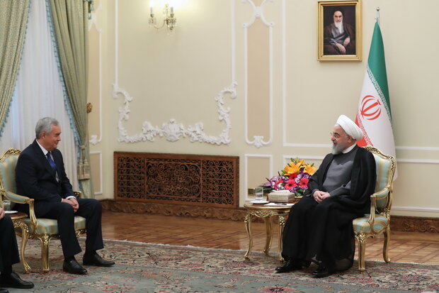 التعاون التجاري بين إيران وطاجيكستان يعزز العلاقات الثنائية