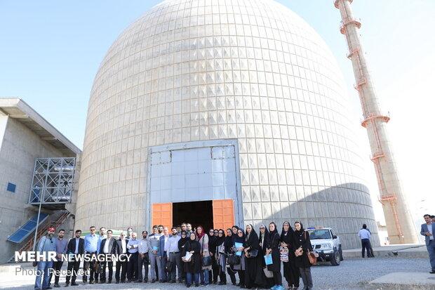 بازدید اصحاب رسانه از مجتمع آب سنگین اراک و برگزاری نشست خبری سخنگوی سازمان انرژی اتمی ایران