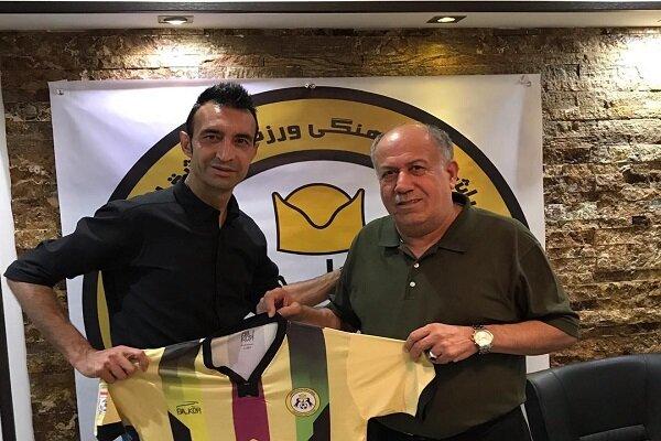 تیم فوتبال قشقایی شیراز با عنایتی قصد صعود به لیگ برتر را دارد