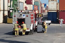 مانور عملیاتی امداد و اطفای حریق در بندر بوشهر برگزار شد