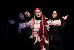"""مسرحية """"ميديا"""" تستمر بعروضها في طهران /صور"""