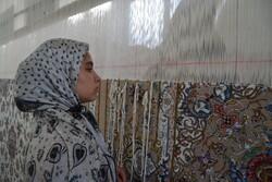 استان سمنان ۱۰۰ کارگاه قالیبافی دارد/ فعالیت ۱۰۴۰۰ قالیباف
