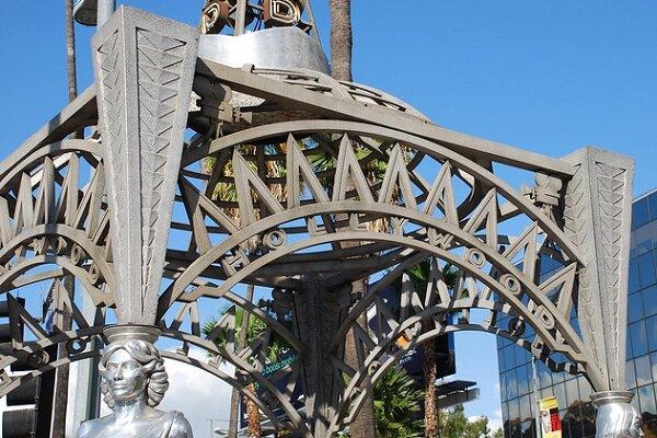مجسمه ستاره سینما از بلوار هالیوود به سرقت رفت!