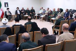 Leader receives personnel of Kordestan Martyrs Congress