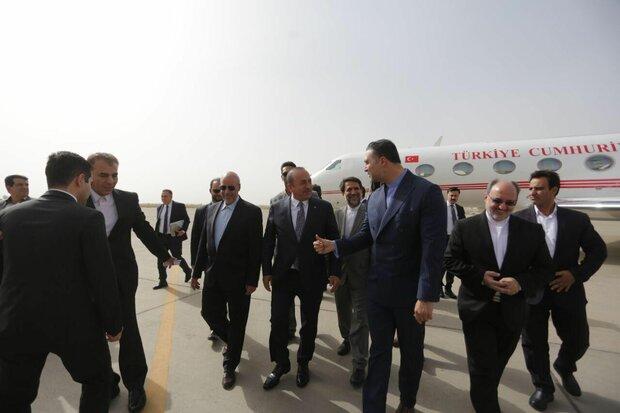 وزیر امور خارجه ترکیه وارد اصفهان شد