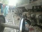 پاکستان میں دو ٹرینوں کے درمیان تصادم میں 4 افراد جاں بحق