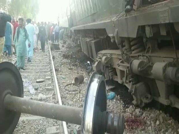 پاکستان میں دو ٹرینوں کے درمیان تصادم میں 11 افراد ہلاک