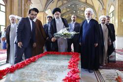 عدلیہ کے سربراہ کی حضرت امام خمینی (رہ) کے حرم میں حاضری
