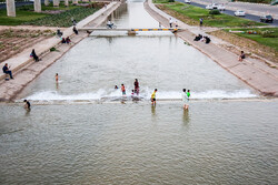استجمام صيفي في نهر قم/صور