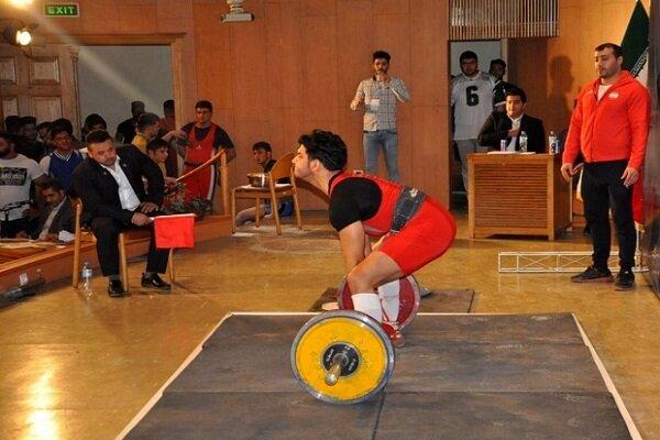 مسابقات چندجانبه ددلیفت استان مرکزی در اراک پایان یافت