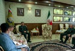 مساعد الشؤون التعليمية في الجيش العراقي يزور مقر القوات المسلحة الايرانية