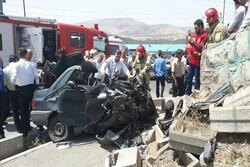 برخورد تریلر با خودروی پژو پارس در نهاوند ۴ کشته برجای گذاشت