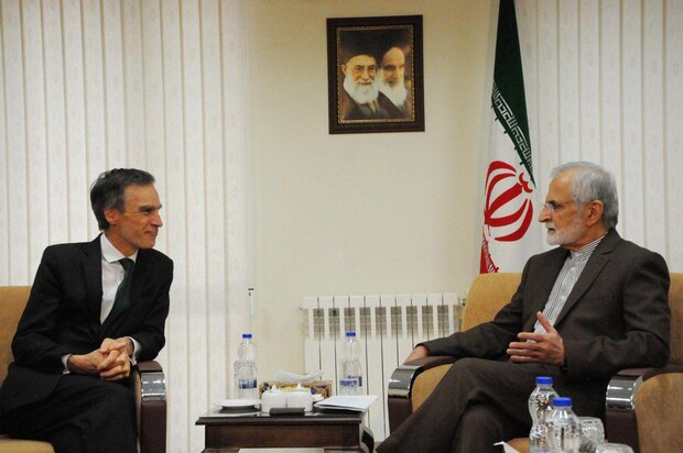 Kharrazi, UK diplomat discuss bilateral, intl. issues in Tehran