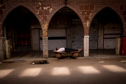 Aşırı sıcaklar Ahvaz kentinde sokakları boşalttı