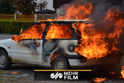 VIDEO: Vandals torch cars on New Year's Eve in France