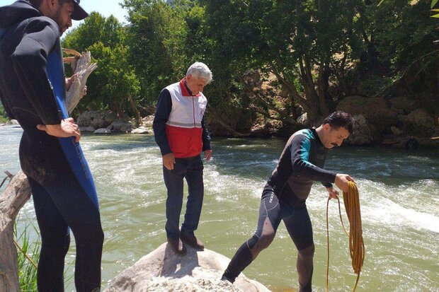 نجات از غرق شدن - کراپشده
