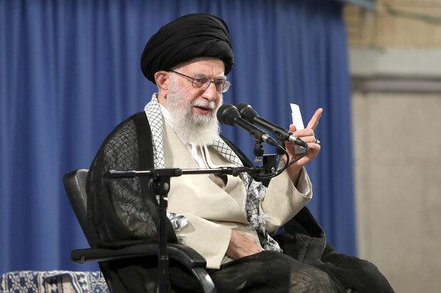 قائد الثورة: إيران دولة مظلومة ولكنها قوية