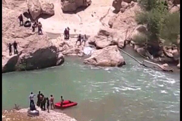 جسد جوان غرق شده در آبهای شهرستان بویراحمد بعد از ۲۲ روز پیدا شد