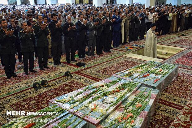 تشییع پیکر پاک 8 شهید در شیراز