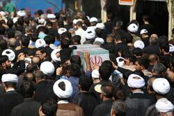 فیلم تشییع پیکر پاک ۲ شهید گمنام دوران دفاع مقدس در شیراز