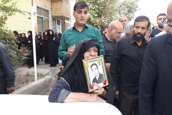 تشییع باشکوه شهید ۱۴ ساله اردستانی ۳۷ سال پس از شهادت