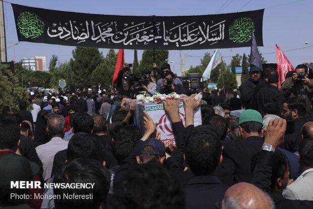 تشییع و خاکسپاری 3 شهید گمنام در بیرجند