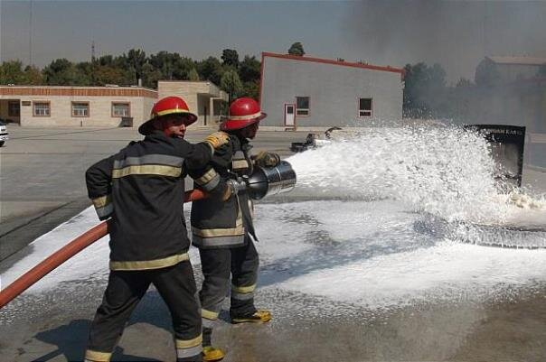 کف آتشنشانی مقاوم در برابر برگشت حریق تولید شد