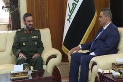Iraq's defense min. emphasizes strengthening Iran, Iraq relations
