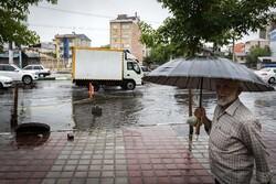 کاهش ۵تا۱۰ درجهای دمای هوای گیلان/ بارش باران تا فردا ادامه دارد