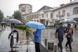 بارش باران در گیلان / دمای هوا ۵ درجه کاهش می یابد