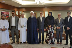 The dean of ISC Mohammad Javad Dehqani (second from right) and the Omani Minister of Higher Education Rawya Saud Al Busaidi (third from right) pose for a photo with Iranian and Omani officials and sch