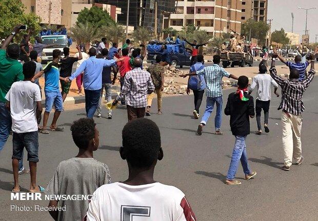 شورای نظامی سودان دهها زندانی را آزاد کرد