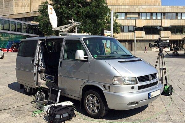 شركة ايرانية تصنع جهاز البث والاستقبال الفضائي المتنقل محليا