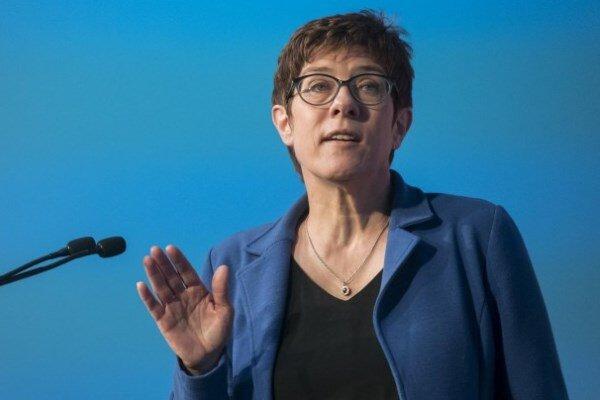 سبزهای آلمان:افزایش بودجه نظامی امنیت را تضمین نمیکند