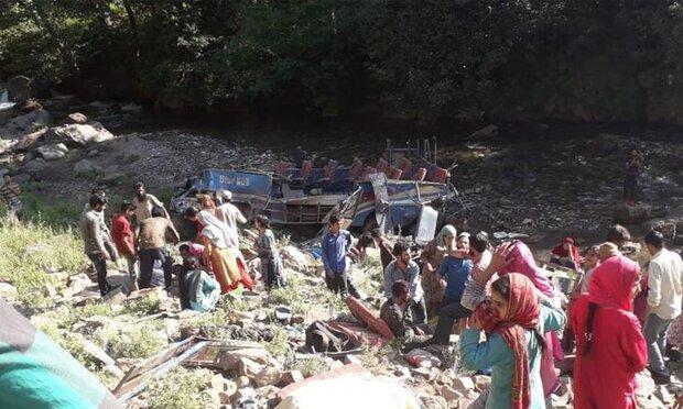 کشمیر میں مسافر بس حادثے میں 35 افراد ہلاک