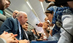 ایران با تمدید  کاهش ۱.۲ میلیون بشکهای تولید نفت موافق است