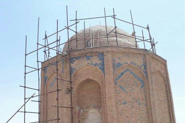 آغاز مرمت بنای تاریخی گنبد امامزاده هود (ع) در رزن