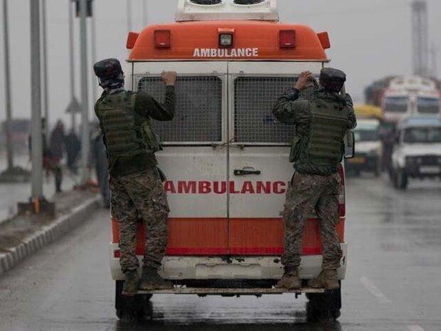 کشمیر میں بھارتی فوج کی گاڑی اور مسافر وین میں تصادم / 3 افراد ہلاک