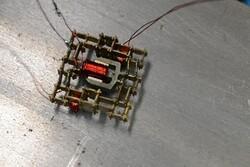 ربات ها با موتور متحرک ربات می سازند
