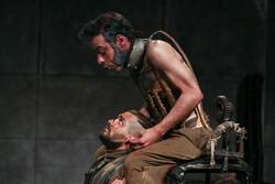 """عرض مسرحية """"كرونوس"""" في طهران / صور"""
