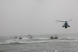 استعراض جوي مشترك للجيش وحرس الثورة على ساحل الخليج الفارسي
