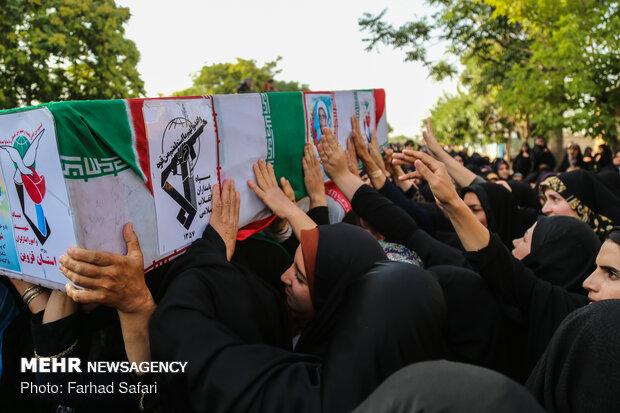 پیکر پاسدار شهید قروه ای تشییع و به خاک سپرده شد